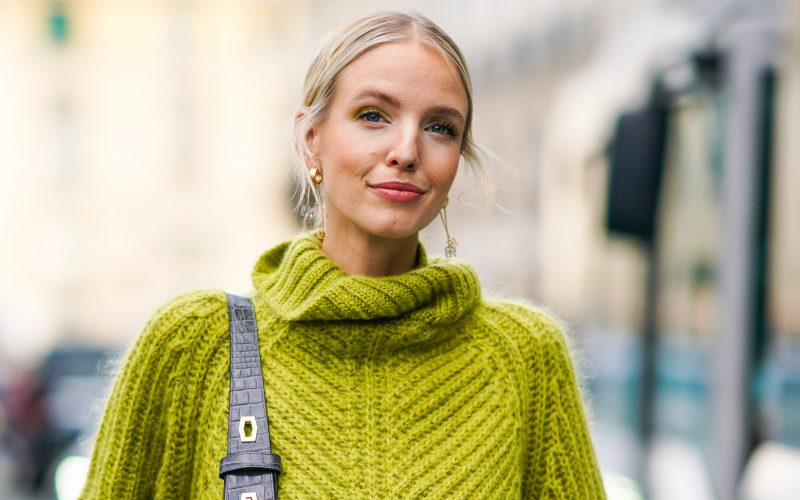How to Wear Oversized Sweaters